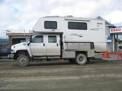 GMC 4x4 Truck Camper