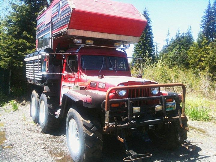 Jeep 6x6 Camper