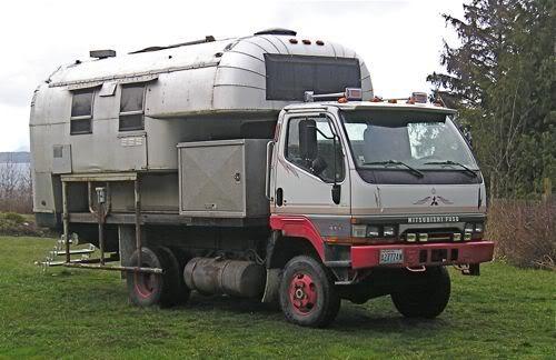 Mistsubishi Fuso Flat Bed Avion Camper