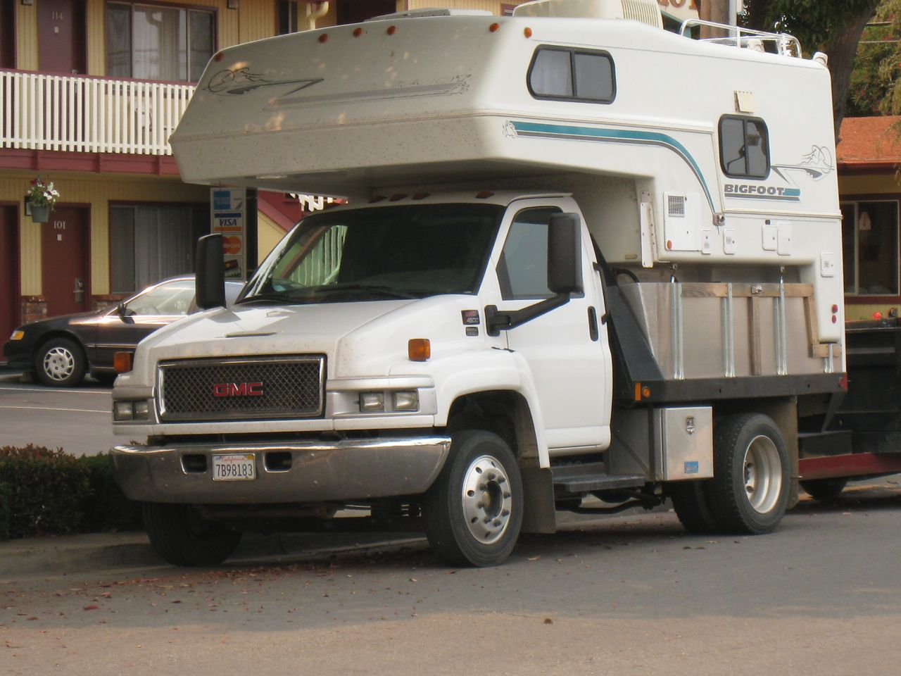 GMC 4500 Bigfoot Camper