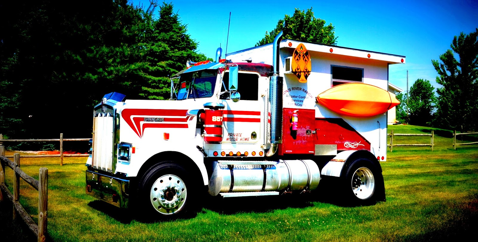Kenworth Truck with Camper