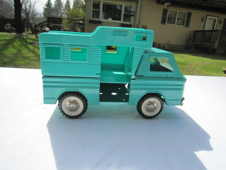 Vintage STRUCTO Tin Metal Blue Camper Truck Toy Car
