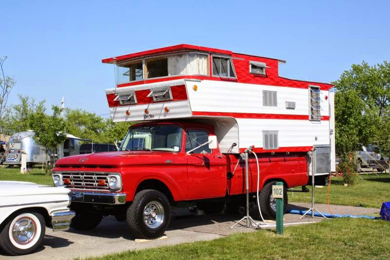 Double Decker Vintage From Truck Camper - Extra headroom