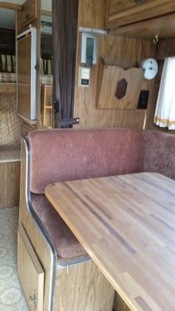 Dreamer Camper Interior Dinette on Custom Dodge Dakota