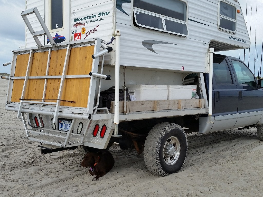 Ford F250 Travel Lite Mountain Star Deck Up