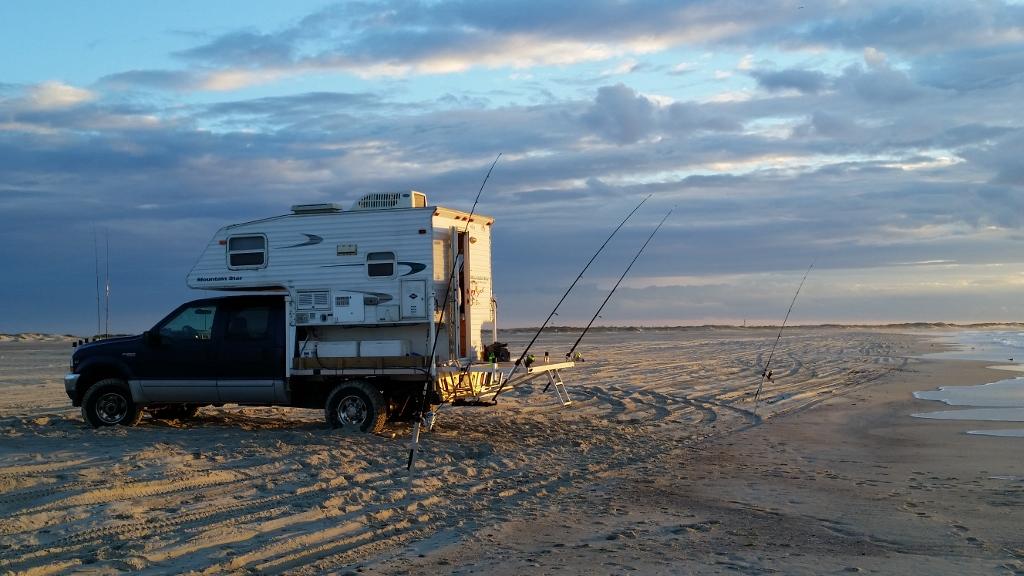 Ford F250 Travel Lite Mountain Star Fishing